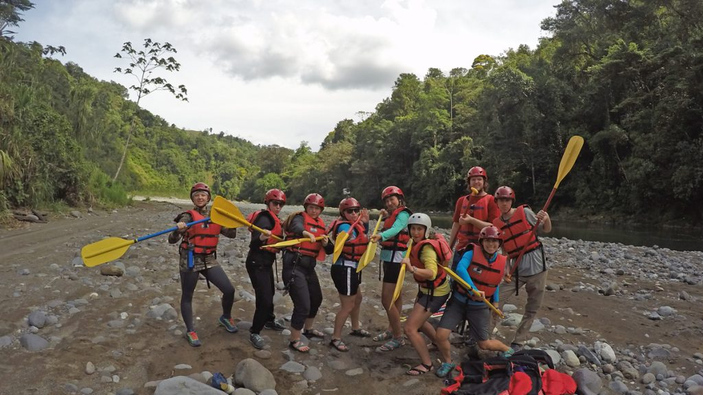 White water rafting in Pacuare River?... Challenge accepted! Left to right: Stephanie Dildine, Hanna Burris, Natasha Karpel, Kayla Johnson, Margo Mendez, Ana Estrella, Laura Tellez (EPI), Alec Moeller and Dalton Swindle.